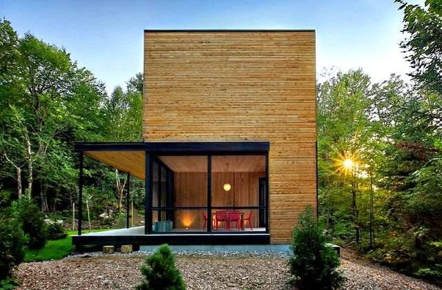 Casa de madera en el coraz n del bosque laurentian arquitexs for Casa moderna ud