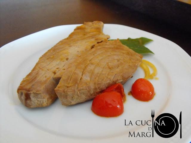 Come cucinare il tonno fresco bollito cotto e postato - Cucinare tonno fresco ...