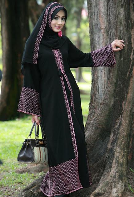 Black-Saudi-Abaya-Styles