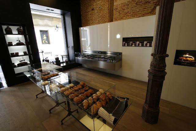 Marta decoycina una pasteler a con una decoraci n muy for Espejo hostelero