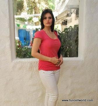 zarine khan hot kiss. Zarine Khan Hot Photos
