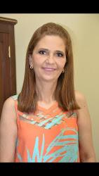 """Profª Lúcia Helena Jorge Carminati Diretora da E.M.E.F. """"Cel. José Venâncio Dias"""""""