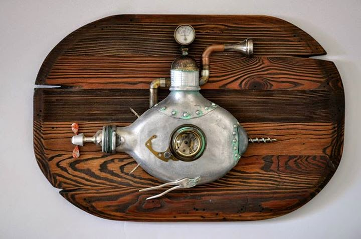 11-Submarine-Arturas-Tamasauskas-Recycled-and-Upcycled-Steampunk-Sculptures-www-designstack-co