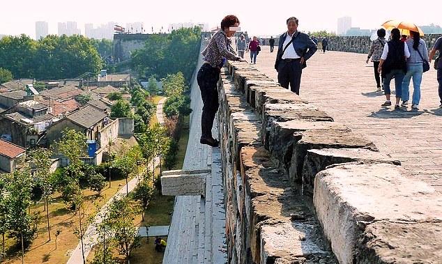 escalando 21 metros china monumento 21m escalar loucura