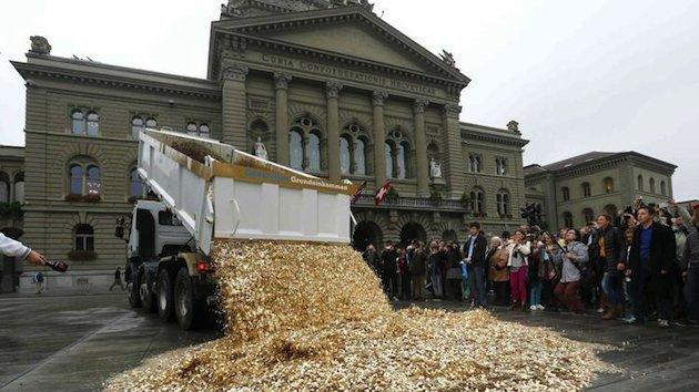 سويسرا تخصص 2800 دولار لكل مواطن بلا عمل