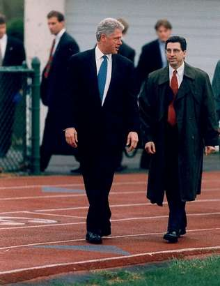 President Clinton and SAIC Lew Merletti