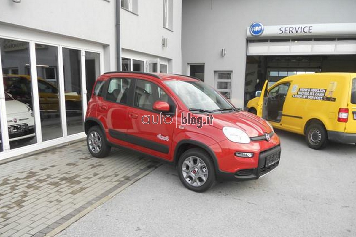 This is the 2013 fiat panda 4 4 garage car for Garage fiat 94
