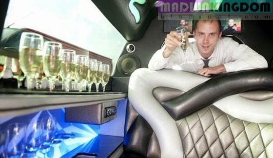Foto: Mobil Mini Cooper Limousine Terpanjang di Dunia