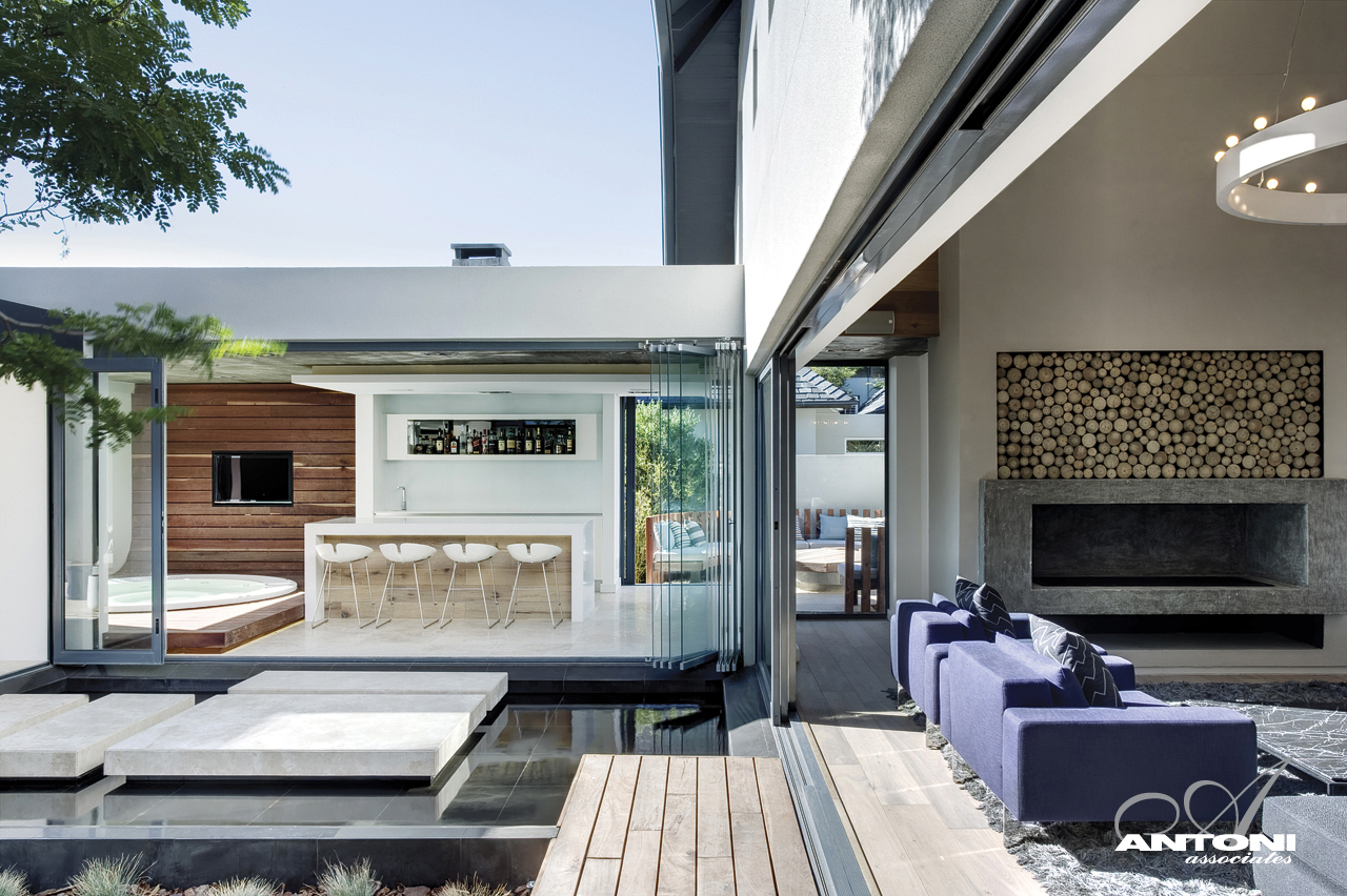 World of architecture cape town 39 s dream home in the for Modern homes inside