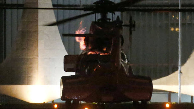 Helicóptero que leva Dilma solta labaredas de fogo antes de decolar