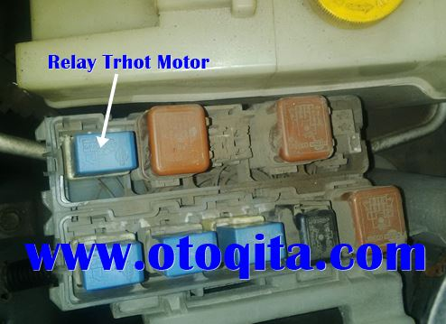 Throttle motor relay
