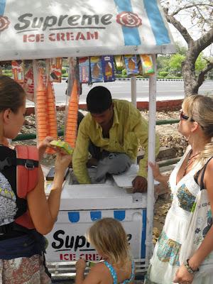 продавец мороженного в Дели