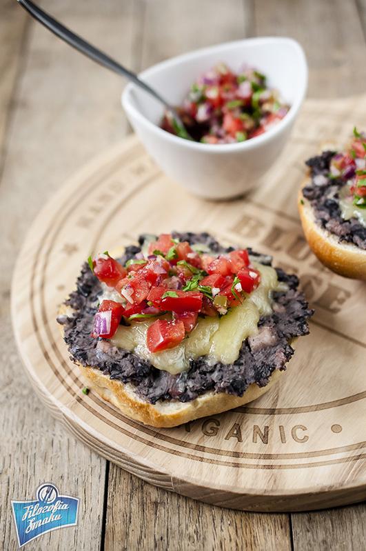 Meksykański sandwich mollete