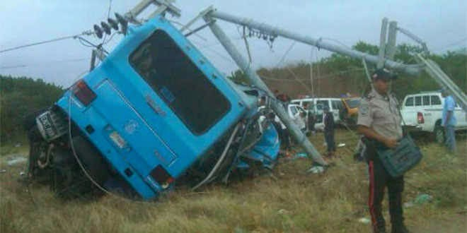 Accidente de tránsito en Chichiriviche Venezuela deja 8 fallecidos incluyendo 2 bebés
