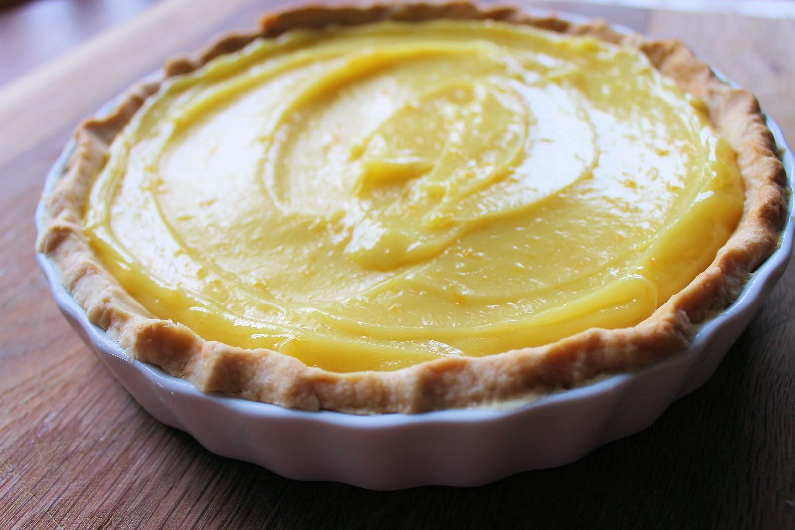Savoir Faire: Flavors of my Childhood: Lemon Curd Meringue Pie