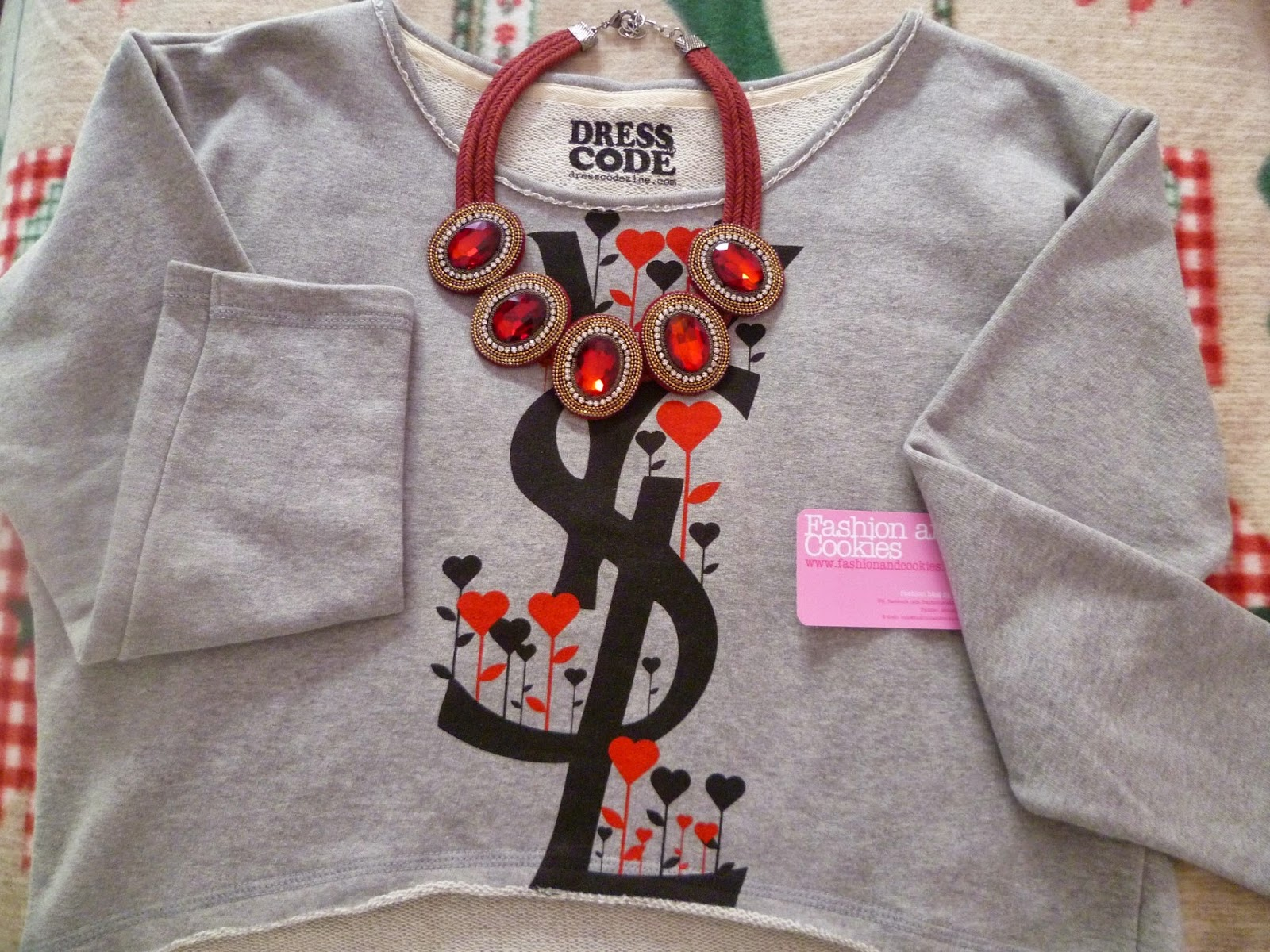 Dresscode sweatshirt, Dresscode felpe, Fashion and Cookies, fashion blogger