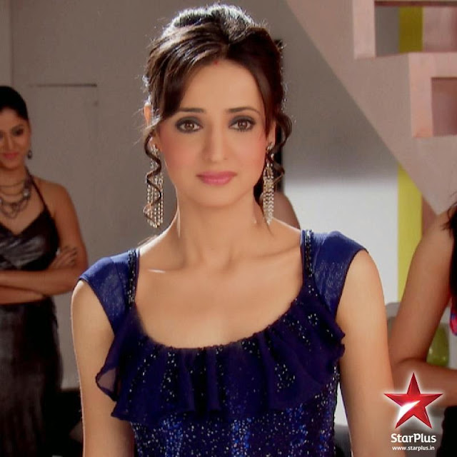 Sanaya Irani Hot Pictures