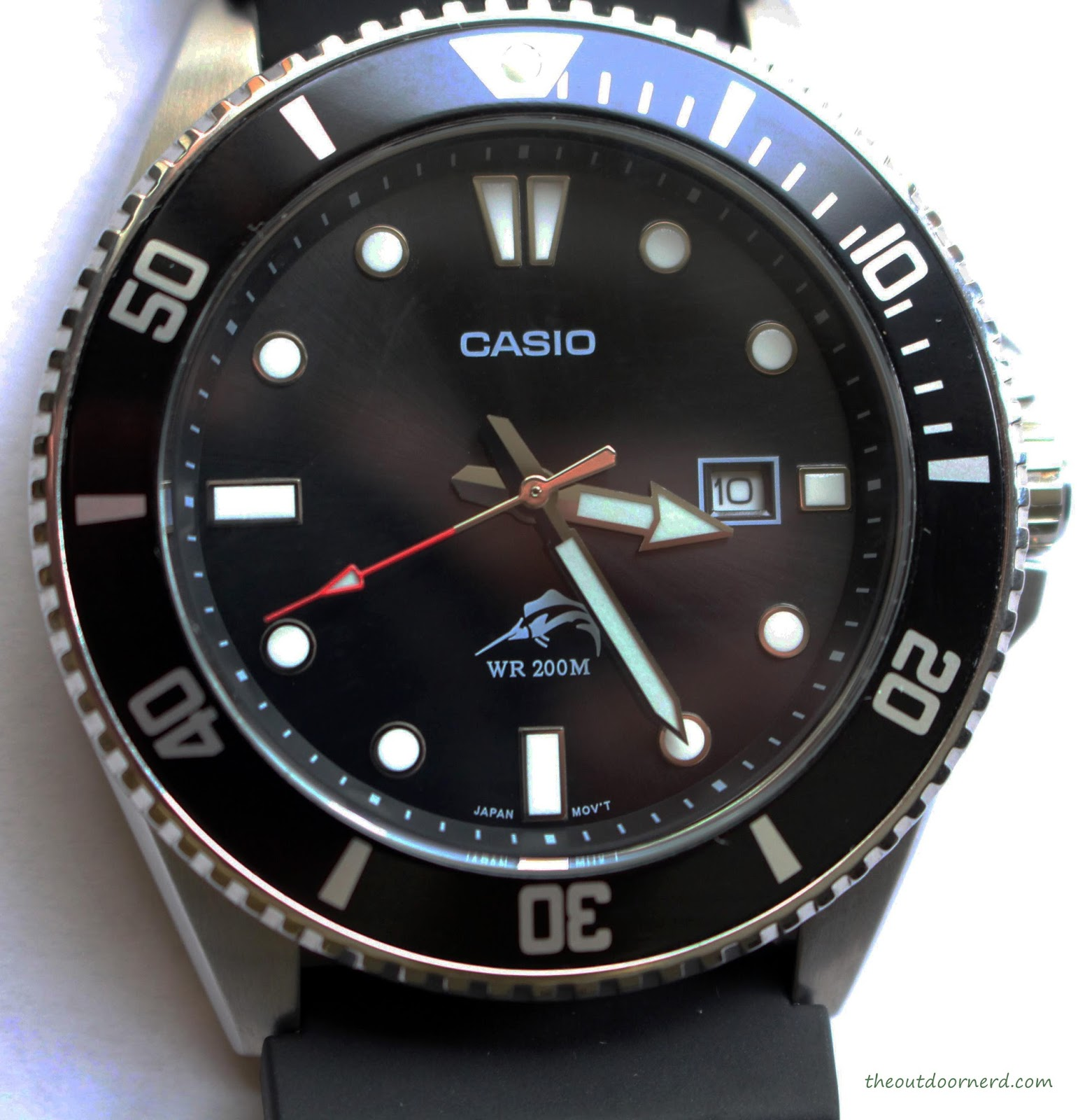 Casio MDV106-1A Diver's Watch: Closeup of Dial