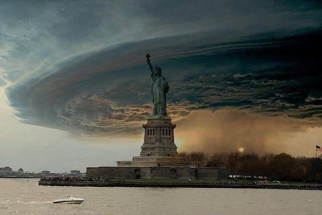 http://2.bp.blogspot.com/-6xeSCuGF_us/UI_D0AQ684I/AAAAAAAAHvc/7L1hqMhi-HI/s1600/Tempestade-em-Nova-York-2012-Sandy.jpg