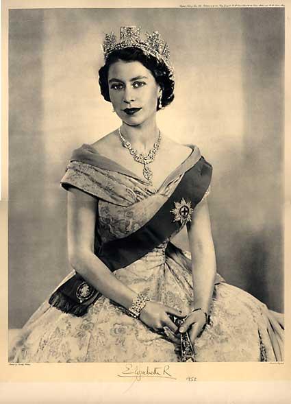 Elisabeth II - её титулы, шляпки и стиль.