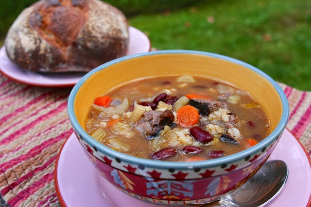 Beef Barley Soup: simplelivingeating.com