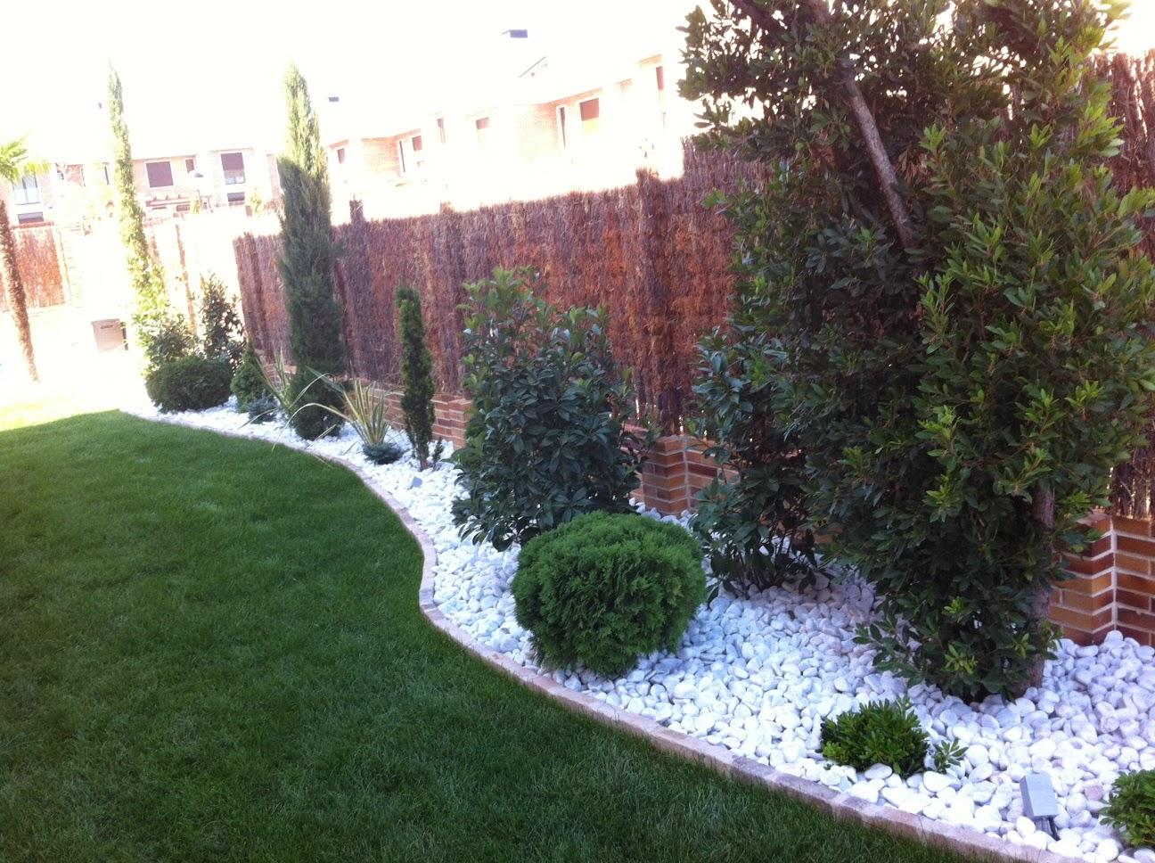 Venta piedras decorativas jard n madrid for Piedras decorativas jardin