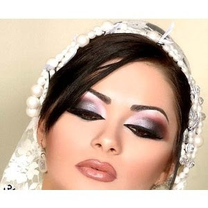 Stylish  And  Exclusive Eye Makeup