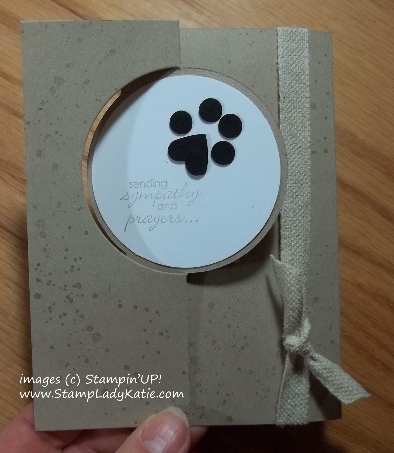 Sympathy card for a lost pet using Stampin'UP!s Circle Thinlit Dies and a punch art paw print.