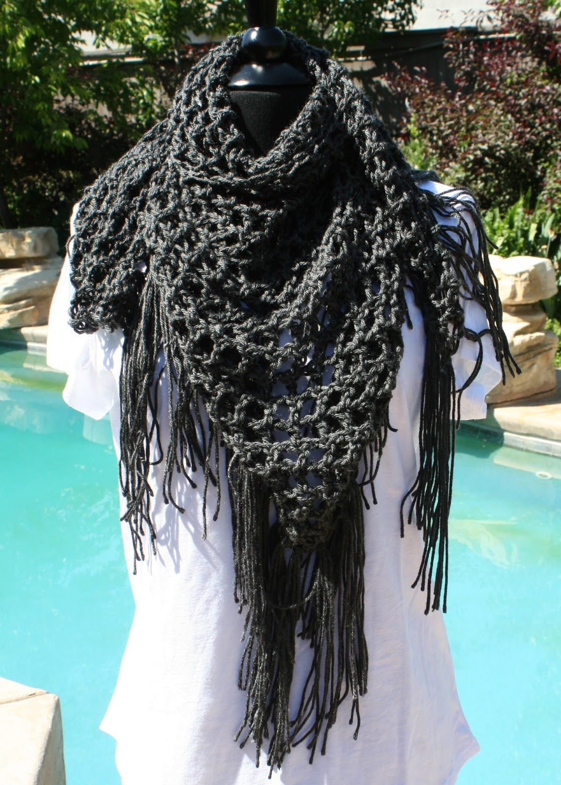 Free Triangle Infinity Scarf Crochet Pattern : Knots-n-Knits: Crocheted Triangle Fringed Scarves