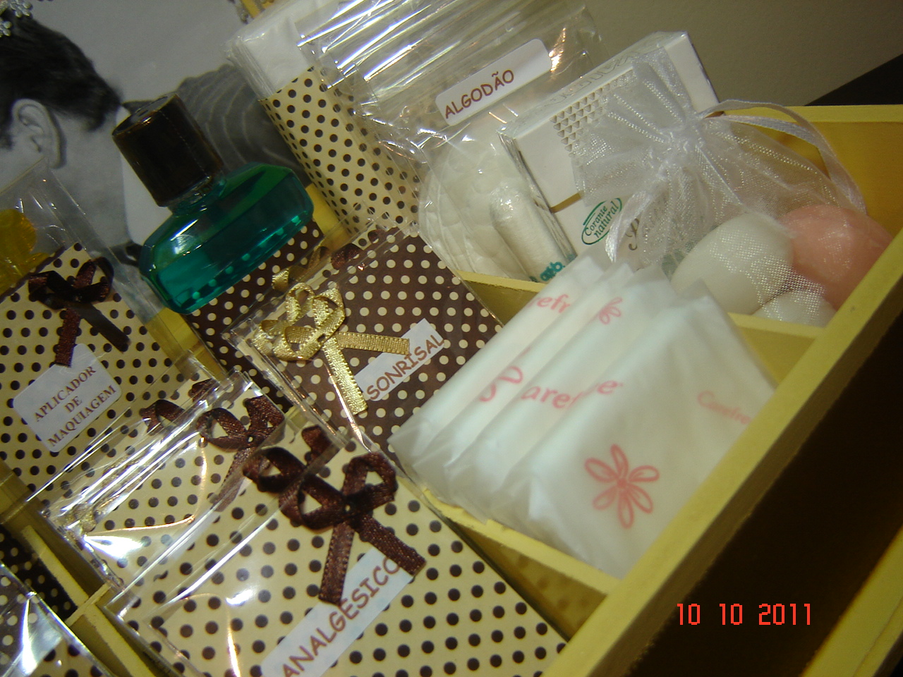 Kit Banheiro Amarelo Estilo Retrô Kit Toalete para Casamento #634B24 1280 960