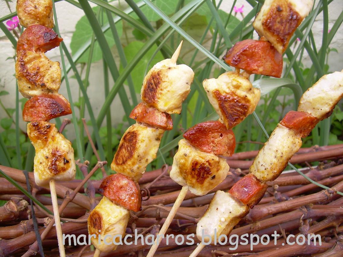 Maricacharros brochetas de pollo y chorizo - Como preparar pinchos de pollo ...