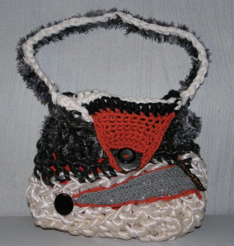 Sac en ficelle agricole recyclée, cuir et laine recyclage par Ama
