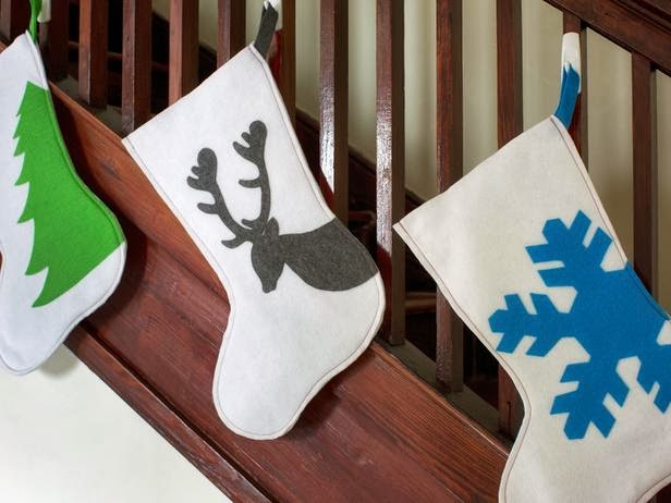 Modern furniture diy christmas 2013 stockings easy ideas for Diy modern christmas decorations