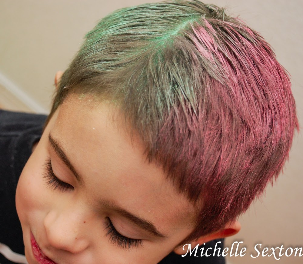 Easy Temporary Hair Dye using Chalk - only takes 5 minutes. @ SoHeresMyLife.com