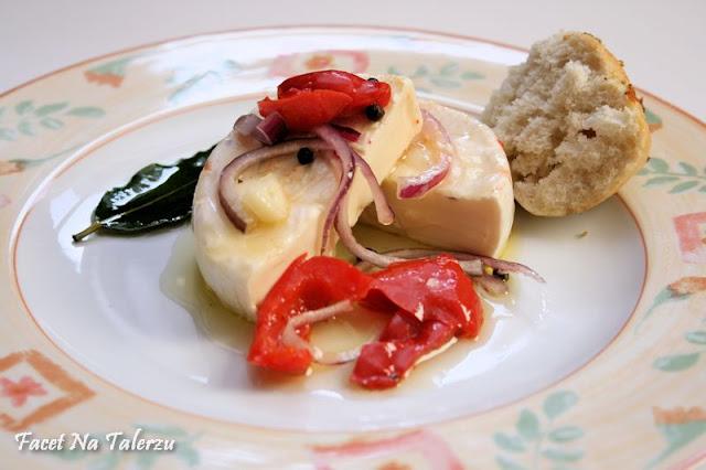 Nakládaný hermelín - marynowany camembert