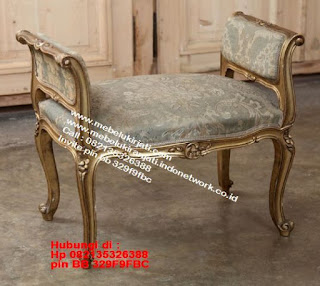 Toko mebel jati klasik jepara,sofa cat duco jepara furniture mebel duco jepara jual sofa set ruang tamu ukir sofa tamu klasik sofa tamu jati sofa tamu classic cat duco mebel jati duco jepara SFTM-44063