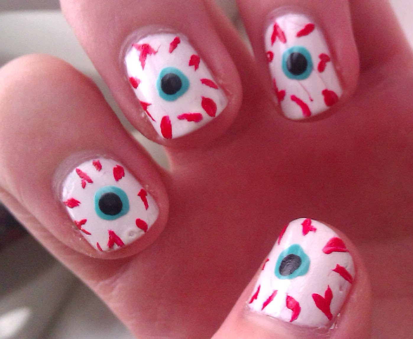 BeautyCallls: Halloween NOTD - Eye Balls