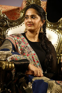 Actress Anushka Shetty Latest Picture in Salwar Kameez at Lingaa Tamil Movie Audio Launch 13