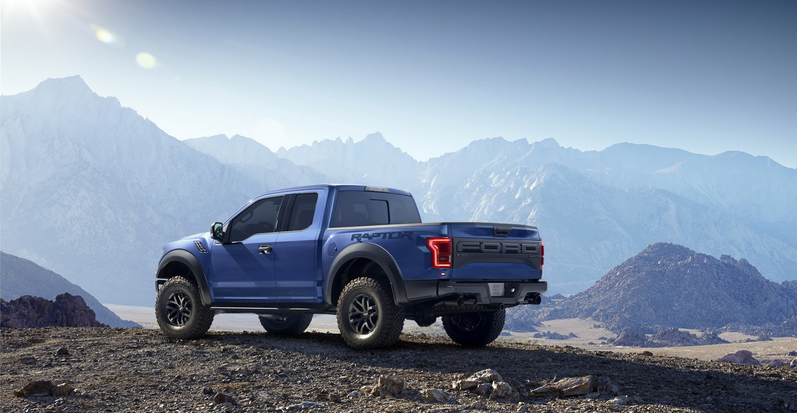 2015 - [Ford] F Series - Page 2 2017-Ford-F-150-Raptor-4