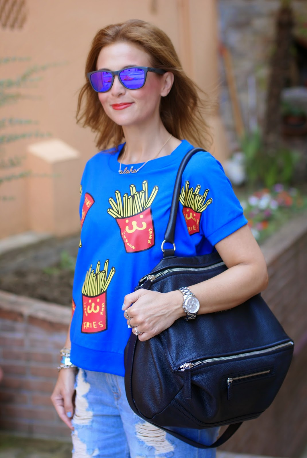 Blackfive french fries print blouse, fries print trend, patatine fritte stampa, Givenchy Pandora, Oakley sunglasse, Fashion and Cookies, fashion blogger