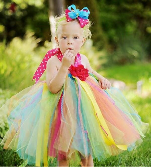 Foto bayi lucu dan menggemaskan pakai tutu dress