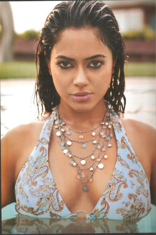 Sameera Reddy Sexy Bollywood Actress Hot Video Clip