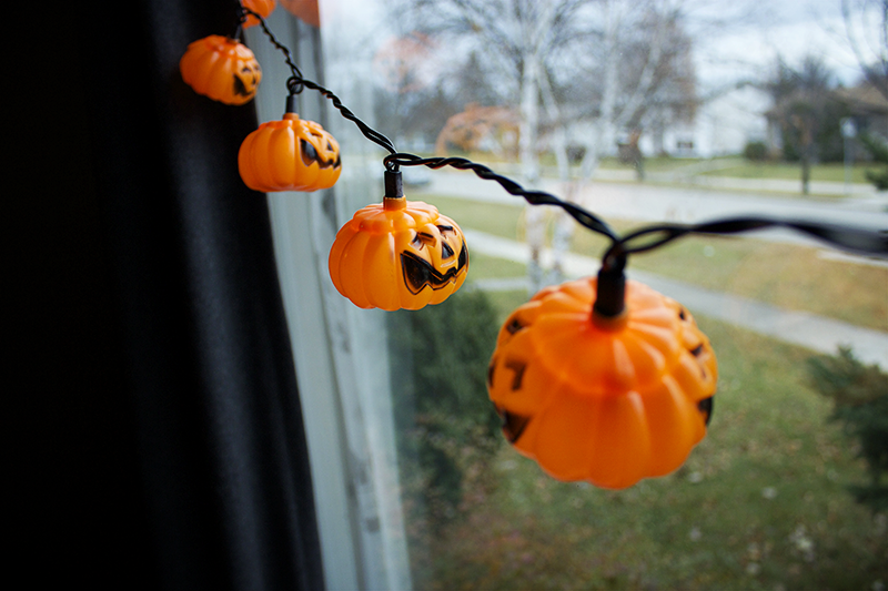 Pretty Simple Life: Day 25: Halloween Decorations! - Pretty Halloween Decorations