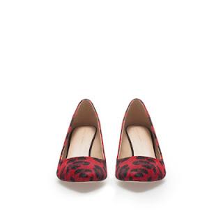 Fashion leather kitten heel shoe