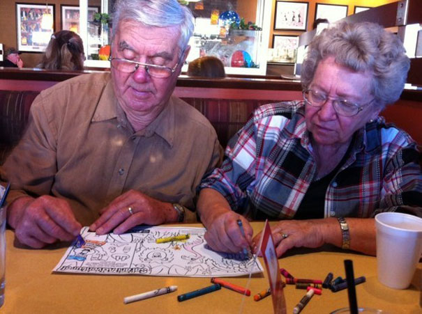 16 Elderly Couples Prove You're Never Too Old To Have Fun - Coloring Books While Waiting For Food