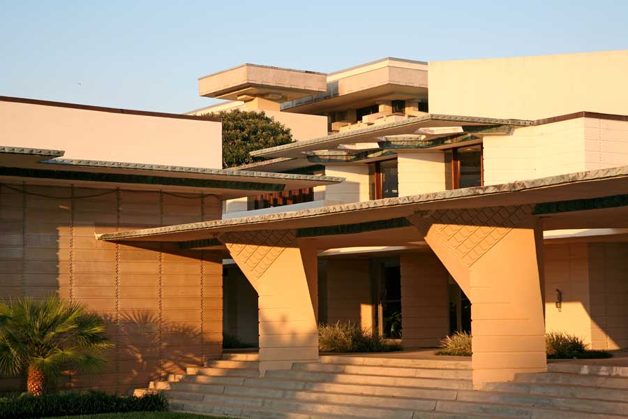 frank lloyd wright and american architecture essay