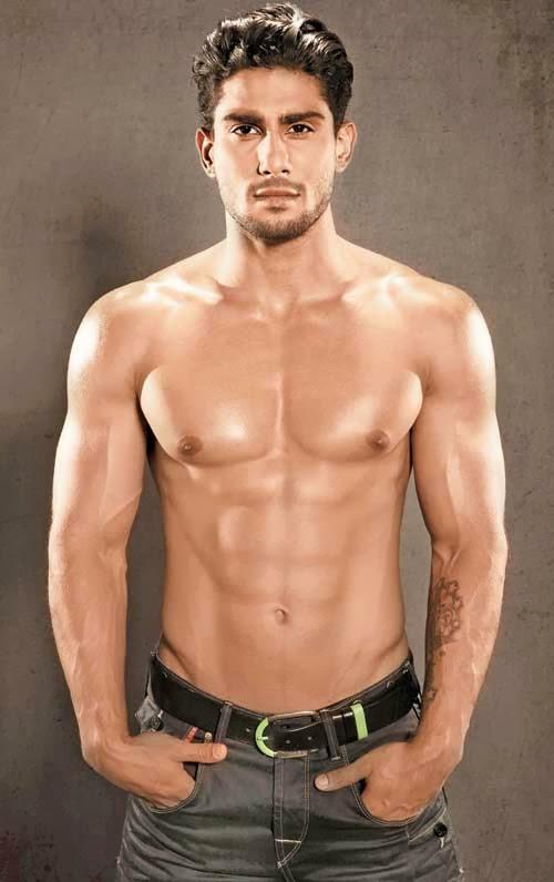 Shirtless Bollywood Men: Prateik Babbar