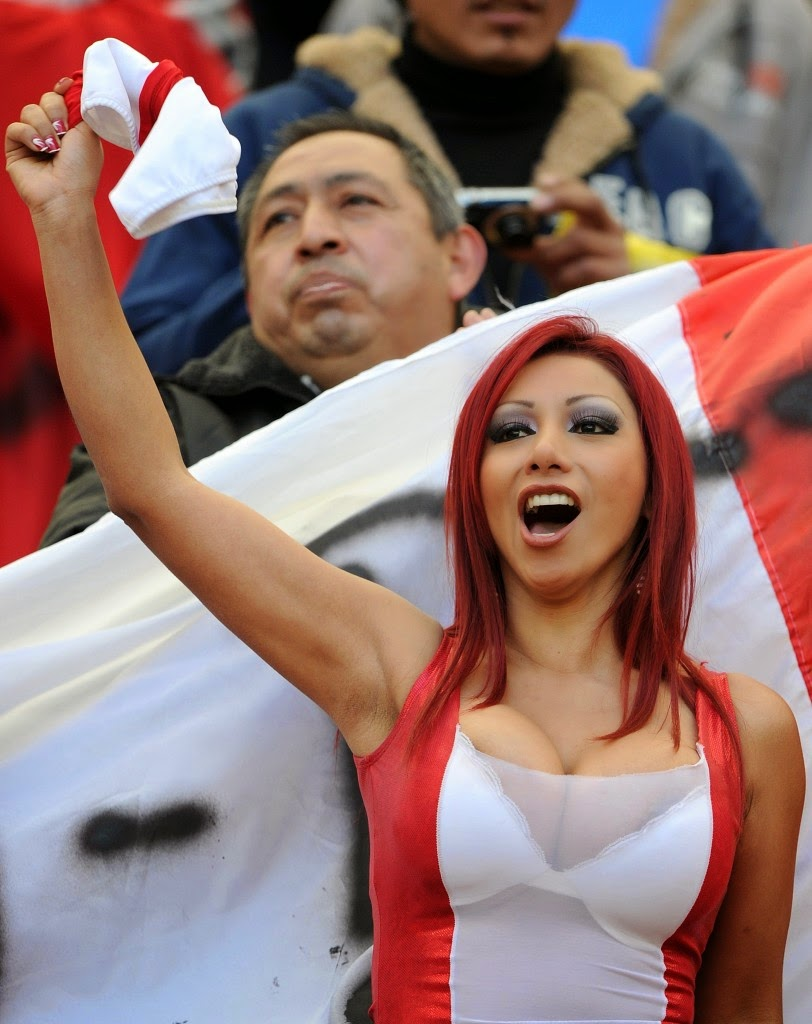 hottest nude female sports fans