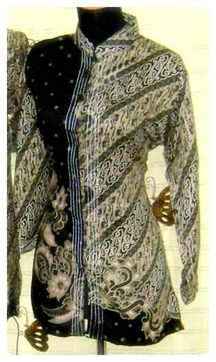 Model Baju Batik Wanita Hitam Terbaru Update