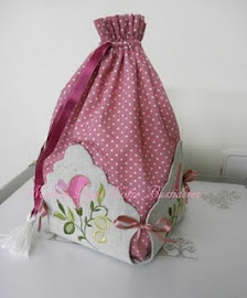 Si quereis aprender hacer esta bolsa tan bonita, visitar el blog haciendo clic en la imagen